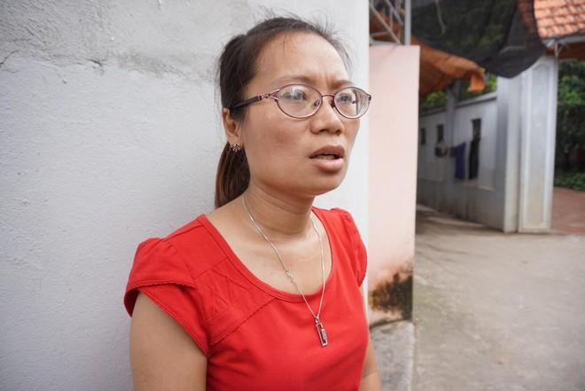 Vụ chồng mới ra tù truy sát đâm vợ tử vong: Nhân chứng thấy anh ta rất dữ tợn - Ảnh 2.