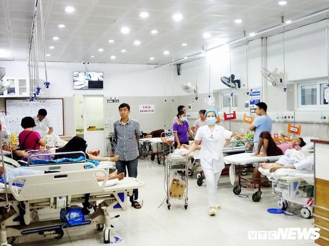 Một đêm giành giật sinh mạng với tử thần của những chiến binh áo trắng bệnh viện Bạch Mai - Ảnh 5.