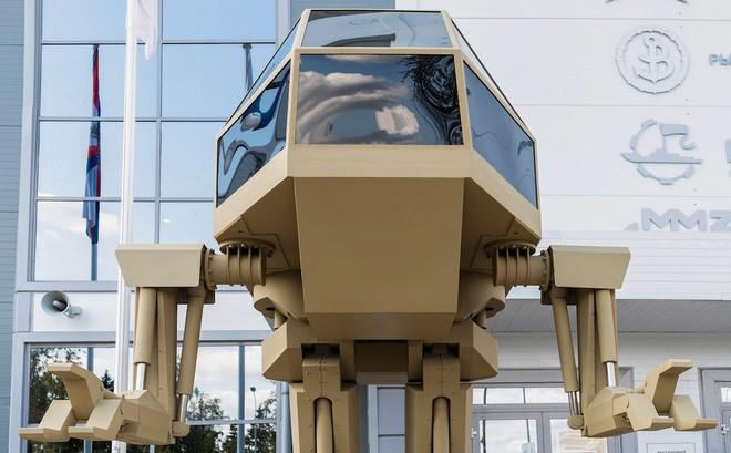 """Robot """"sát thủ"""" Nga lộ diện: Giống người ngoài hành tinh"""