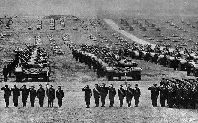 Những hình ảnh ấn tượng về cuộc tập trận lớn nhất lịch sử Liên Xô - ảnh 6
