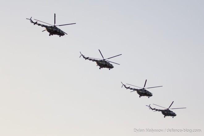 Ukraine duyệt binh, khoe sức mạnh quân sự răn đe ly khai miền Đông - ảnh 19