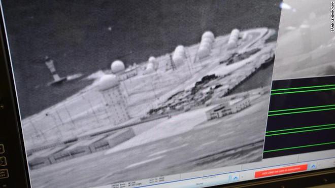 Phóng viên CNN sốc khi đến biển Đông: Gần trăm tàu Trung Quốc nhung nhúc ở Đá Subi - Ảnh 9.