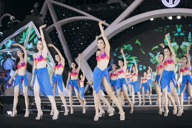 Lộ diện 3 thí sinh có thân hình đẹp nhất Hoa hậu Việt Nam sau màn thi bikini bốc lửa - Ảnh 9.