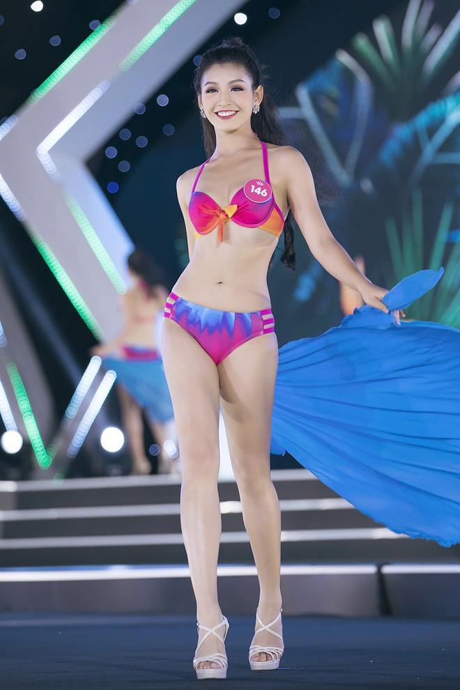Lộ diện 3 thí sinh có thân hình đẹp nhất Hoa hậu Việt Nam sau màn thi bikini bốc lửa - Ảnh 3.