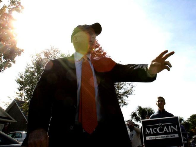 Cuộc đời Thượng nghị sĩ John McCain qua ảnh: Người bạn lớn có nhiều duyên nợ với Việt Nam - Ảnh 7.