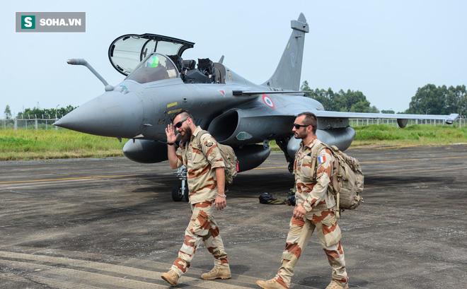 Cận cảnh tiêm kích Rafale của Pháp trong chuyến thăm đầu tiên tới Việt Nam