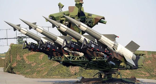 Tên lửa Tomahawk Mỹ dàn trận, PK Syria báo động khẩn cấp: Sẽ chớp nhoáng nhưng khốc liệt? - Ảnh 1.
