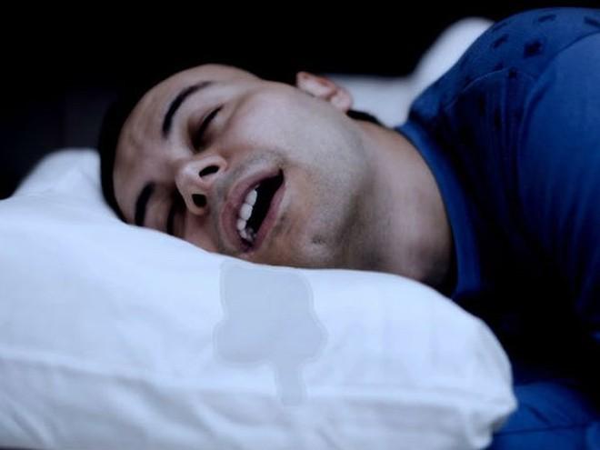 Chảy nước dãi khi ngủ: Dấu hiệu cảnh báo bệnh nguy hiểm - Ảnh 1.