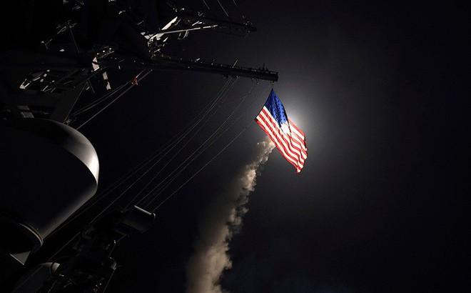Tên lửa Tomahawk Mỹ dàn trận, PK Syria báo động khẩn cấp: Sẽ chớp nhoáng nhưng khốc liệt?