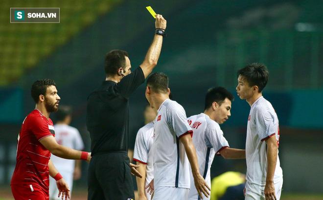 Một phút bốc đồng của Đoàn Văn Hậu và bài học cho U23 Việt Nam