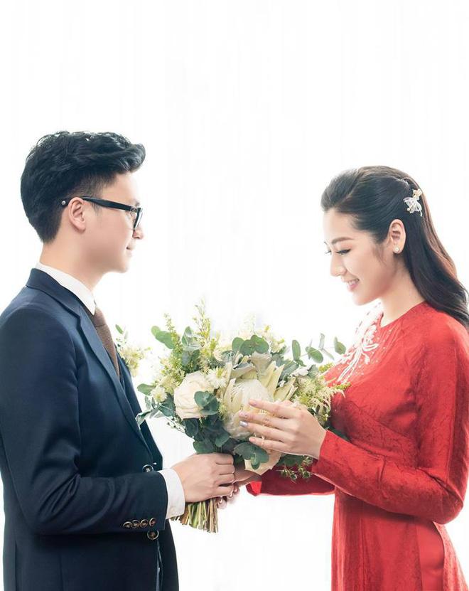 Cuộc sống hạnh phúc của Á hậu Tú Anh sau hơn 1 tháng kết hôn  - Ảnh 2.