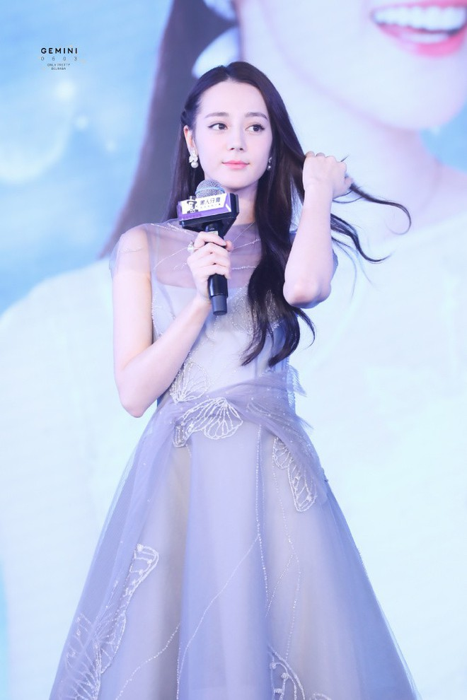Chỉ một cái vuốt tóc, công chúa hoa tuyết Địch Lệ Nhiệt Ba chứng minh đẳng cấp nữ thần showbiz Hoa ngữ - Ảnh 5.
