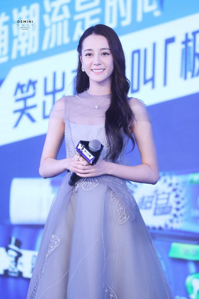 Chỉ một cái vuốt tóc, công chúa hoa tuyết Địch Lệ Nhiệt Ba chứng minh đẳng cấp nữ thần showbiz Hoa ngữ - Ảnh 7.
