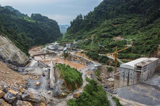 Trung Quốc đang âm thầm thôn tính Mekong bằng cả cây gậy và củ cà rốt - Ảnh 2.