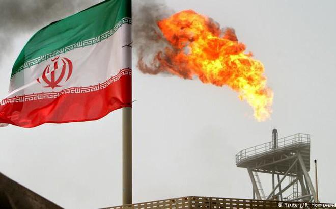 Áp đặt lệnh trừng phạt lên Iran, Mỹ đang mở đường cho Nga, Trung Quốc