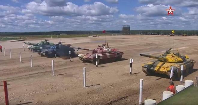 Nga có cú bứt phá thần thánh ở bán kết Tank Biathlon 2018: Nghi ăn gian, xấu mặt? - Ảnh 1.