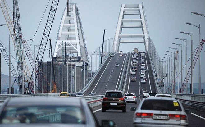 Cầu nối liền Nga-Crimea 'thắng đậm' trước sự hậm hực của Ukraine và phương Tây