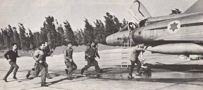 Cuộc chiến 6 ngày: Israel tập kích, tiêu diệt 300 máy bay, KQ Ai Cập tê liệt 1 thập kỷ - Ảnh 1.