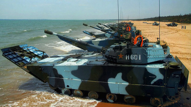Lộ diện phương tiện dọn bãi cực kỳ nguy hiểm của Thủy quân lục chiến Trung Quốc - Ảnh 1.