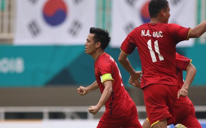 TRỰC TIẾP U23 Việt Nam 1-1 U23 UAE: Văn Quyết gỡ hòa cho U23 Việt Nam