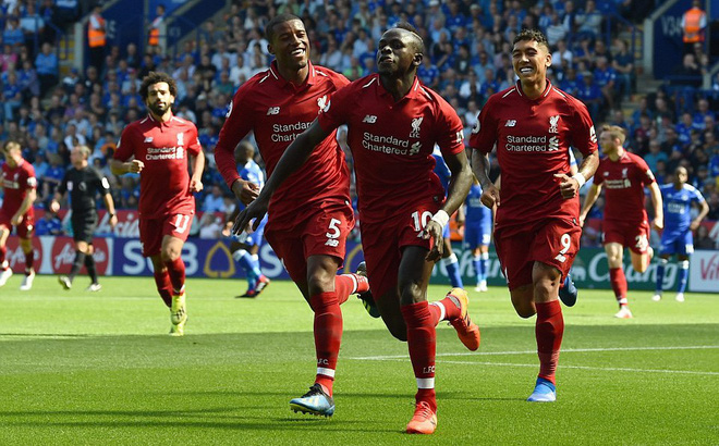Kết quả Leicester 1-2 Liverpool: 'Bom tấn' suýt thành tội đồ