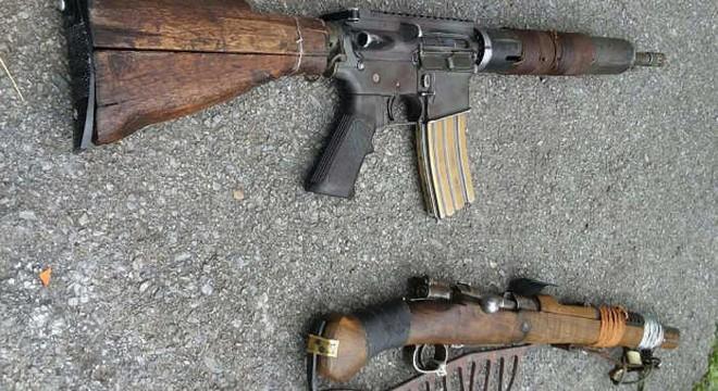 Súng trường AR-15 và và Ottoman Mauser 1893 phiên bản đồng nát hậu tận thế cực độc lạ - Ảnh 1.