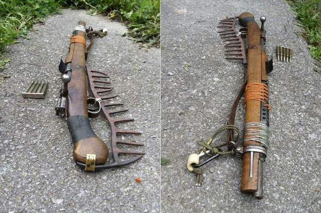 Súng trường AR-15 và và Ottoman Mauser 1893 phiên bản đồng nát hậu tận thế cực độc lạ - ảnh 4