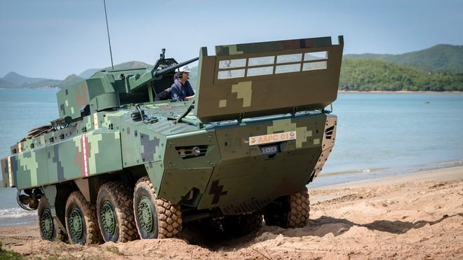 """Cận cảnh Thái Lan đưa xe thiết giáp tự chế tạo đi """"học bơi"""" - ảnh 1"""