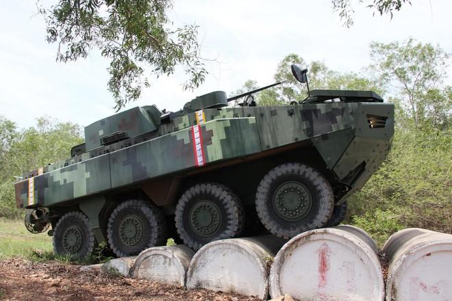 """Cận cảnh Thái Lan đưa xe thiết giáp tự chế tạo đi """"học bơi"""" - ảnh 10"""