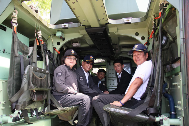 """Cận cảnh Thái Lan đưa xe thiết giáp tự chế tạo đi """"học bơi"""" - ảnh 12"""