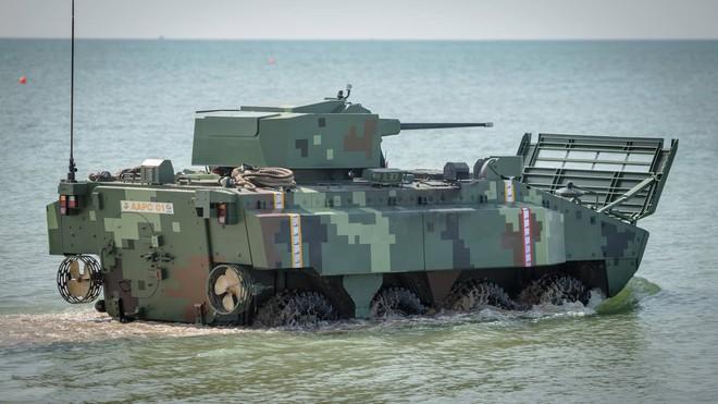 """Cận cảnh Thái Lan đưa xe thiết giáp tự chế tạo đi """"học bơi"""" - ảnh 2"""