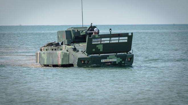 """Cận cảnh Thái Lan đưa xe thiết giáp tự chế tạo đi """"học bơi"""" - ảnh 3"""