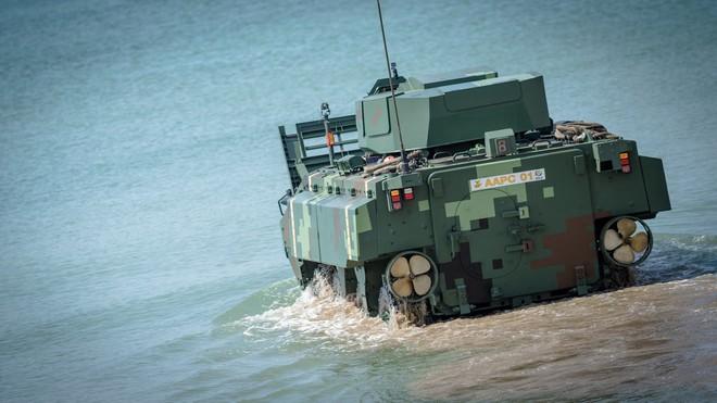 """Cận cảnh Thái Lan đưa xe thiết giáp tự chế tạo đi """"học bơi"""" - ảnh 4"""