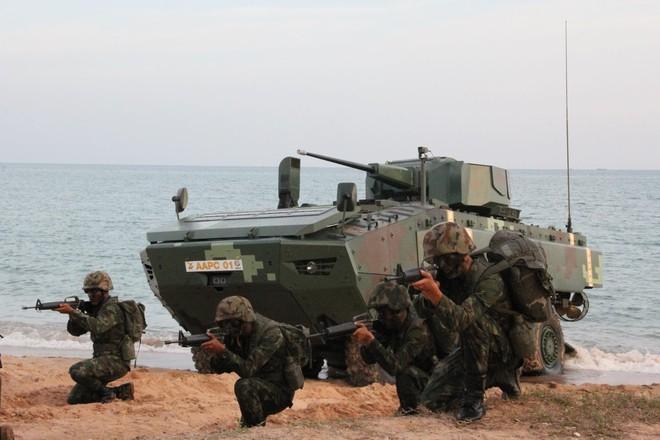 """Cận cảnh Thái Lan đưa xe thiết giáp tự chế tạo đi """"học bơi"""" - ảnh 8"""