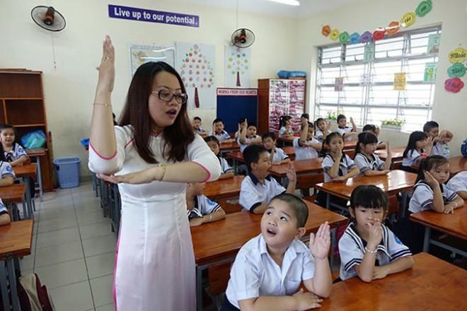 Sách tiếng Việt cho trẻ lớp 1 có nhiều vấn đề sai lệch, phản cảm và sự phản biện của người trong cuộc  - Ảnh 8.