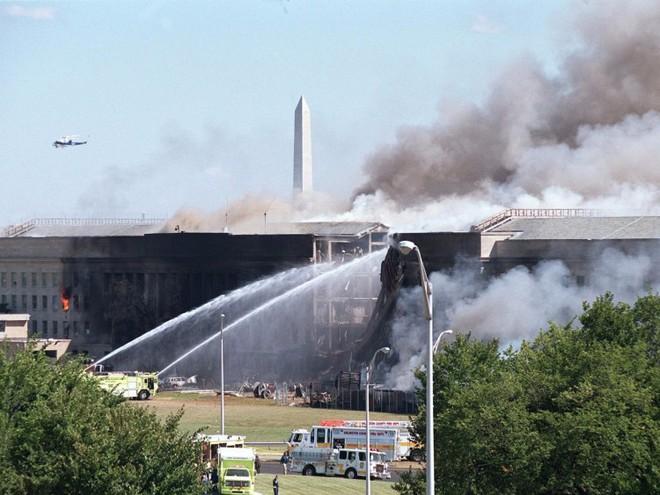 23 bức ảnh nhuốm màu đau thương vụ khủng bố 11/9 - Ảnh 20.