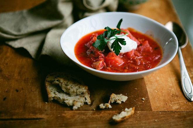 Không phải món ngon vật lạ gì, đây mới chính là linh hồn của ẩm thực Nga - Ảnh 5.