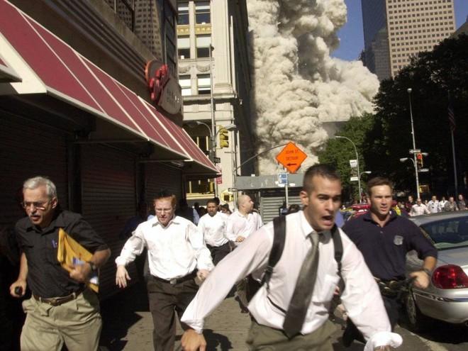 23 bức ảnh nhuốm màu đau thương vụ khủng bố 11/9 - Ảnh 7.