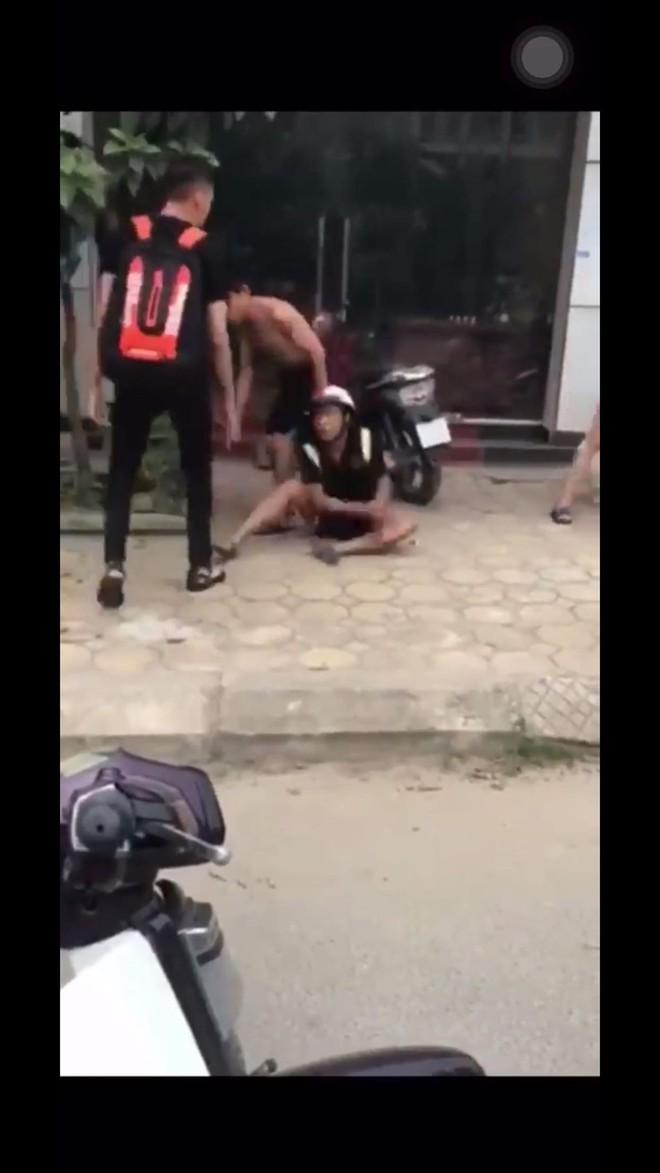 Bị đánh bầm dập vì đi nhầm xe người khác về, thanh niên phân bua: Do em say quá! - ảnh 1