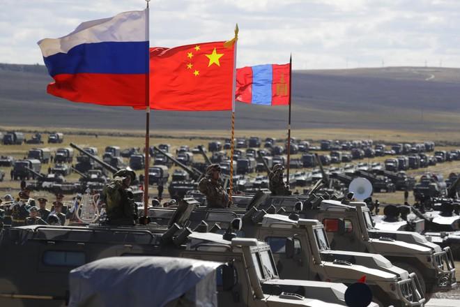 Phương Tây nghi ngờ Vostok-2018, báo TQ: Hãy hỏi tại sao không thể là bạn với Nga-Trung? - Ảnh 1.