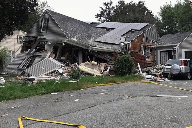 Ngôi nhà bị hư hại nặng sau khi hứng chịu nhiều vụ nổ khí gas.