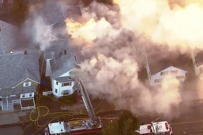 Truyền thông địa phương cho hay, lửa đã thiêu rụi ít nhất 50 ngôi nhà.