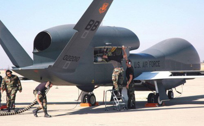 Mỹ để mất máy bay không người lái bí mật