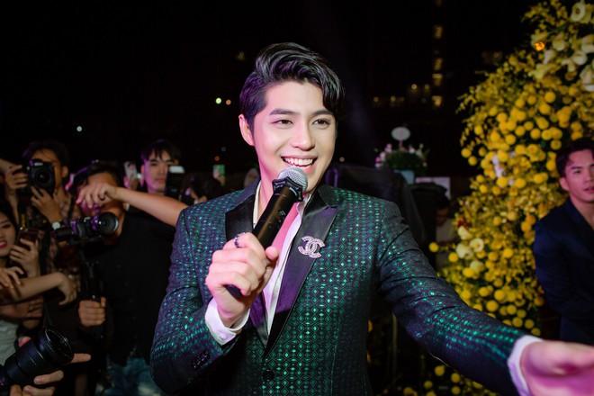 My Sói phim Quỳnh búp bê tự lái xe sang đi sự kiện, đóng băng trước Noo Phước Thịnh - Ảnh 2.