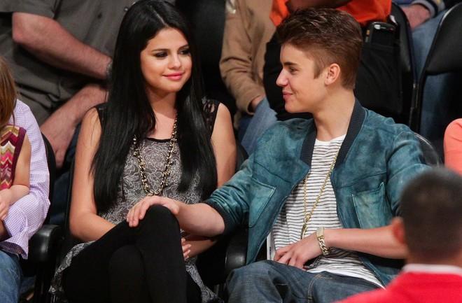 Phản ứng gây bất ngờ của Selena Gomez trước tin đồn Justin Bieber và Hailey Baldwin kết hôn - Ảnh 1.