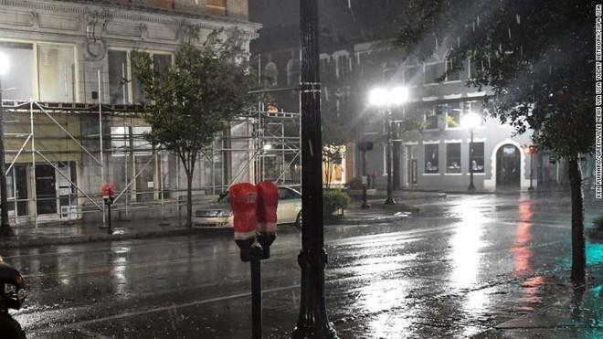 Bão quái vật Florence đổ bộ vào Mỹ, mất điện diện rộng, cảnh báo lũ lụt thảm khốc - ảnh 5