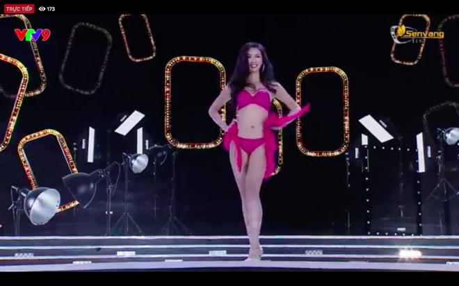 Chung kết Hoa hậu Việt Nam 2018: 25 thí sinh xuất sắc nhất trình diễn bikini bốc lửa - Ảnh 9.