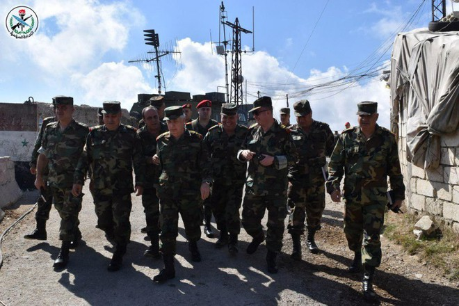 Bộ trưởng BQP Syria ra chiến tuyến: Quân lệnh như sơn, sắp dìm Idlib trong biển lửa - Ảnh 3.