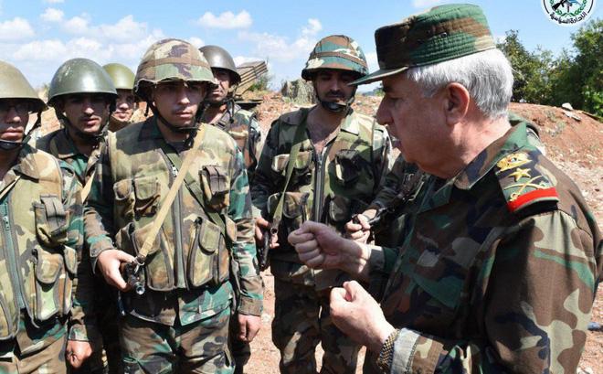 """Bộ trưởng BQP Syria ra chiến tuyến: """"Quân lệnh như sơn"""", sắp dìm Idlib trong biển lửa"""