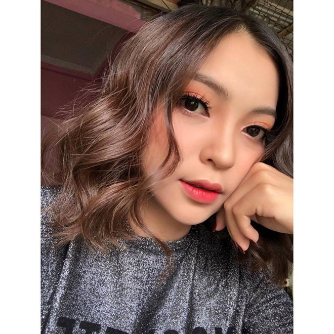 Không chỉ tân hoa hậu, các hot girl xứ Quảng cũng khiến dân mạng không thể rời mắt - Ảnh 13.